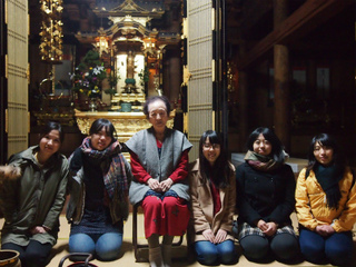 道中のお寺にて(能登レポート3).jpg